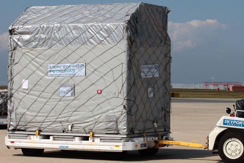 -Formula 1 - Season 2011 - f1 cargo japan 20112028229