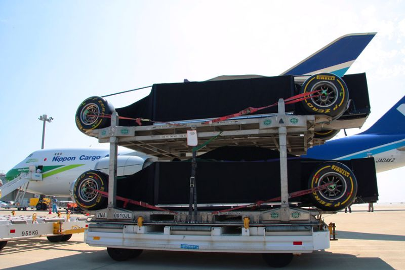 -Formula 1 - Season 2011 - f1 cargo japan 20112028629