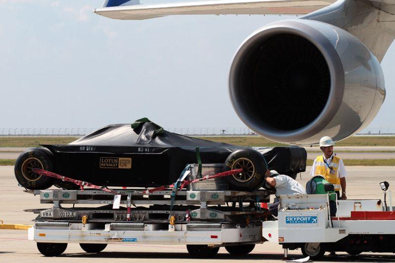 -Formula 1 - Season 2011 - f1 cargo japan 20112028829