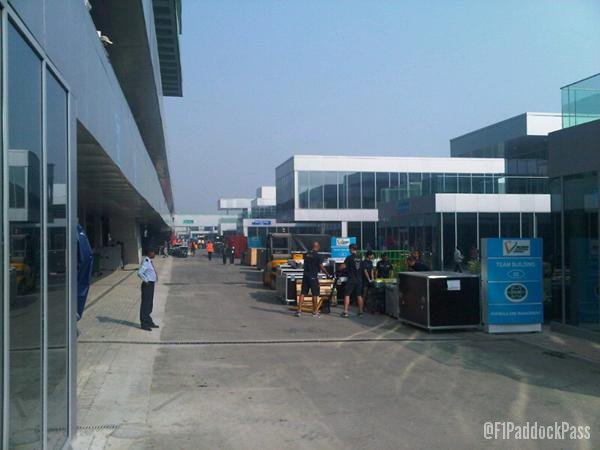 -Formula 1 - Season 2011 - x2 8ee3b0c
