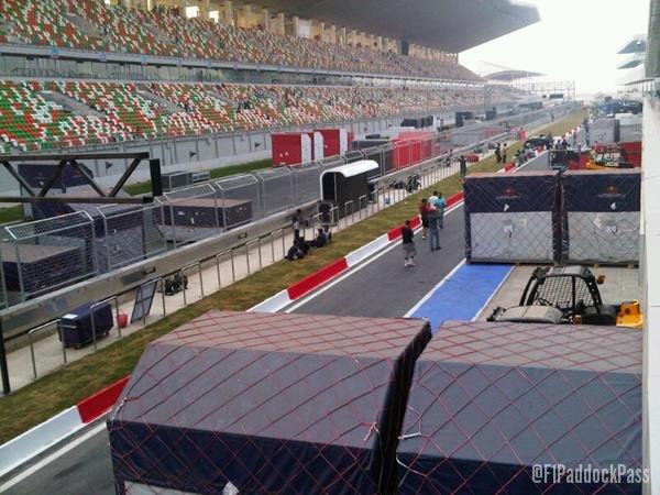 -Formula 1 - Season 2011 - x2 8ef034f