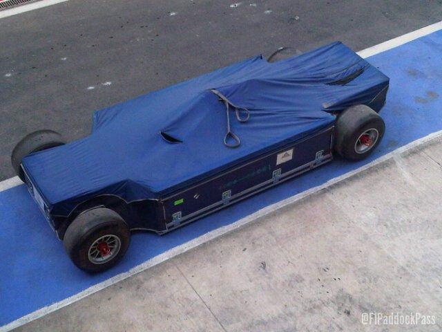 -Formula 1 - Season 2011 - yacrl