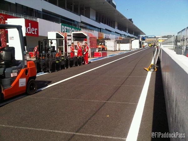 -Formula 1 - Season 2011 - x2 8981f35