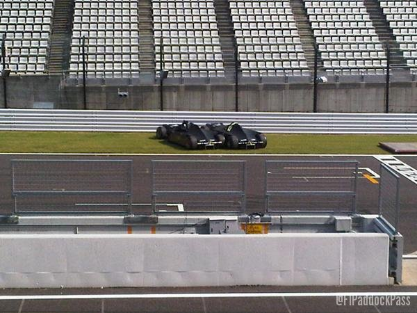 -Formula 1 - Season 2011 - x2 8985972