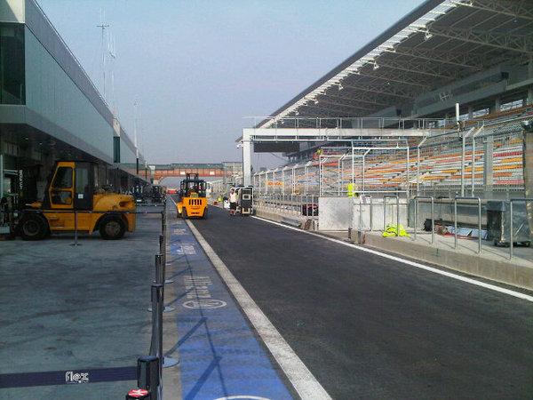 -Formula 1  - Season 2010 - - 179927740