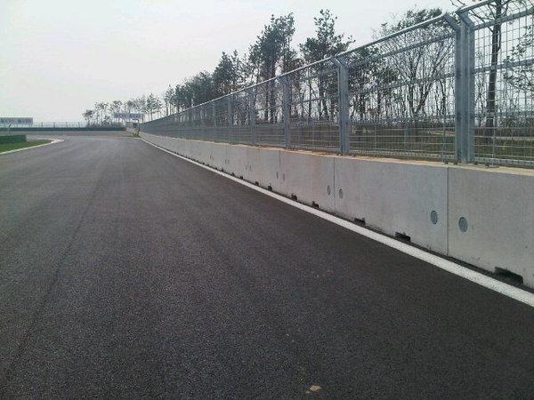 -Formula 1  - Season 2010 - - 179990632