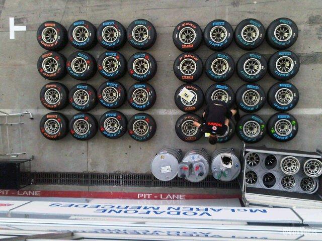 -Formula 1 - Season 2011 - 9bmxyx