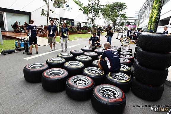 -Formula 1 - Season 2011 - d11sin15
