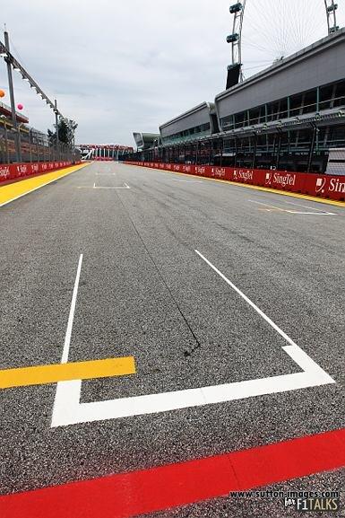 -Formula 1 - Season 2011 - d11sin21