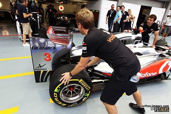 -Formula 1 - Season 2011 - d11sin29