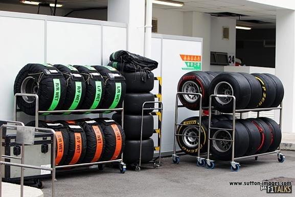 -Formula 1 - Season 2011 - d11sin38