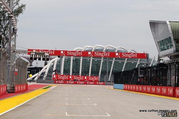 -Formula 1 - Season 2011 - d11sin40