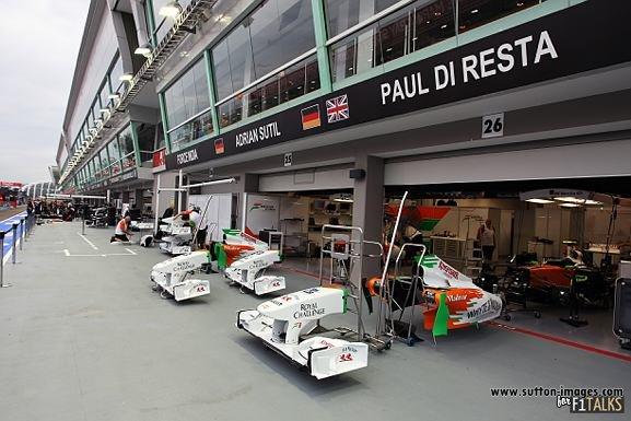 -Formula 1 - Season 2011 - d11sin74