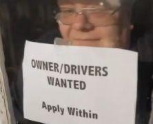 Button szuka nowej pracy
