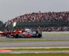 McLaren pręży muskuły