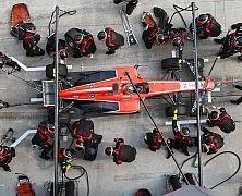 Marussia ze wsparciem Stephena Fitzpatricka i Magnussenem jako drugim kierowcą