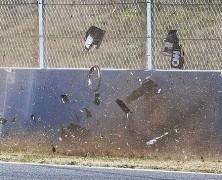 Alonso uderzył w bandę przy prędkości 105 km/h