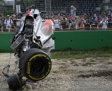 Nie tylko uszkodzony bolid był przyczyną bólu głowy u Alonso