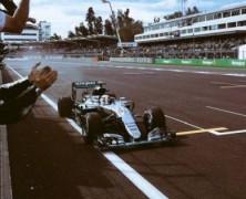 Hamilton urwał kolejne punkty. Trafiona strategia Ferrari