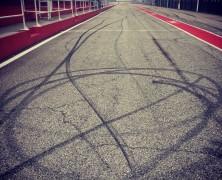 Problemy z silnikiem w STR12 skróciły dzień filmowy zespołu Toro Rosso