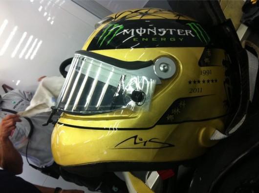 -Formula 1 - Season 2011 - schumacher 20 years helmet 530x395